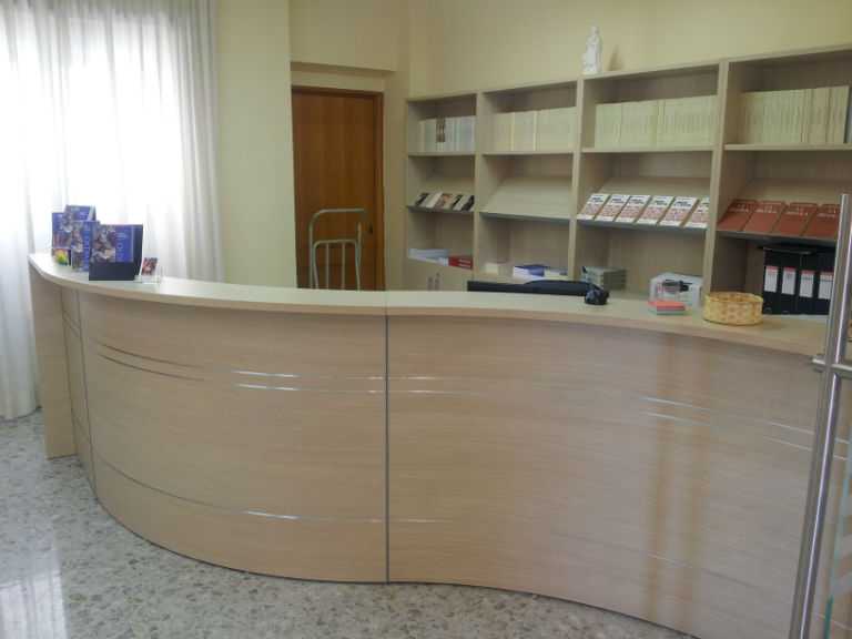 Arredi roma arredi per biblioteche ed archivi la for Arredi per biblioteche